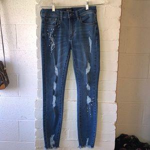 NWOT! Buffalo jeans. Mid ride skinny 26W